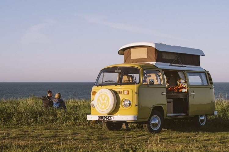 WHAT'S THE DIFFERENCE BETWEEN A CARAVAN AND A CAMPERVAN?