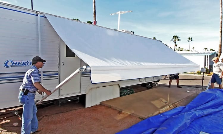 HOW MUCH DOES IT COST TO REPLACE AN RV AWNING?