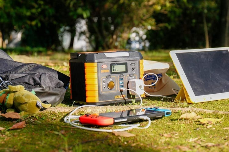 How to Set up a Solar Generator for an RV